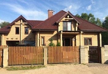 Holzhäuser aus Rundholz und Holzschlüsselfertige, Furnierschichtholz ...